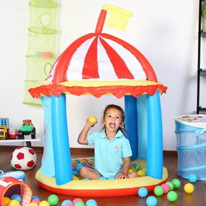 27560 - Inflatable Circus Fort